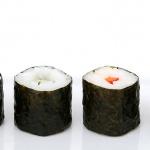 Sushi mit Nori-Algen ist ein guter Jod-Lieferant.